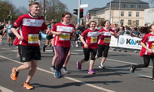Hannover Marathon 2019 - Staffel-Team der Berufsfachschule Ergotherapie macht auf Ausbildung aufmerksam